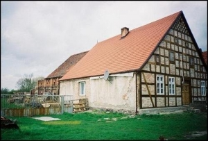 The oldest house in Isinger village where Sanfts lived.